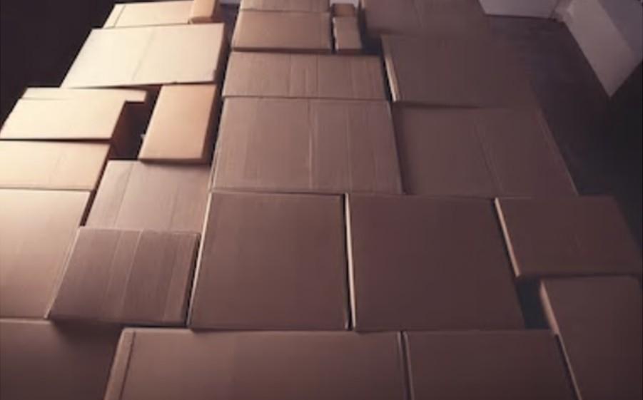 紙箱一件就出貨,500元還免運,打折打到骨折就在包起來wrap it up