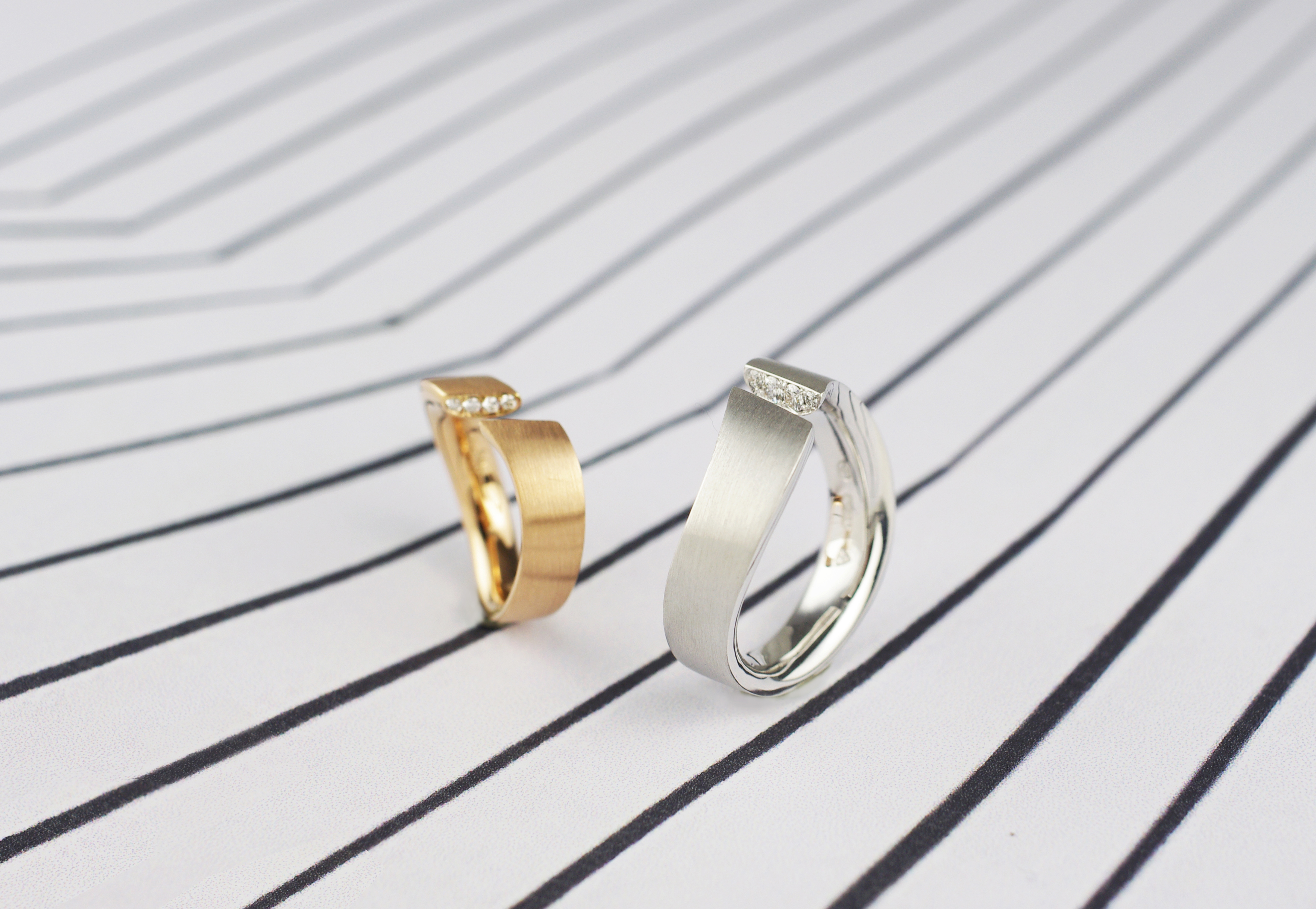 18kgold_wedding_band_ring