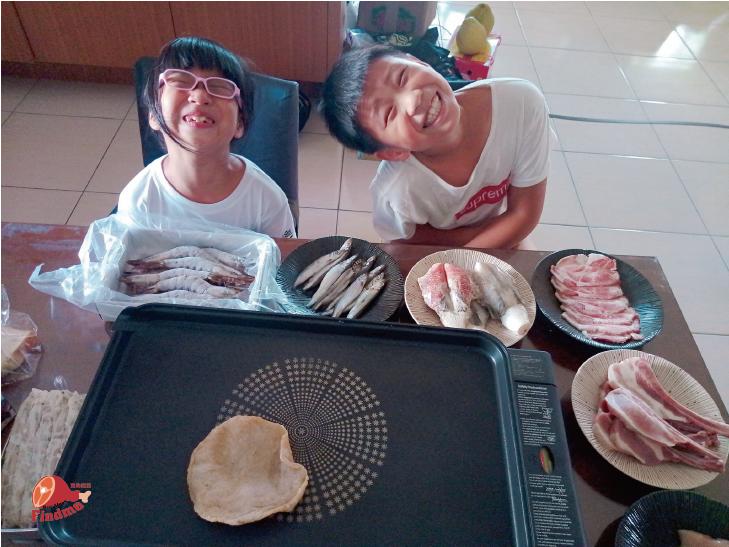中秋節與兩個小孩無煙烤肉