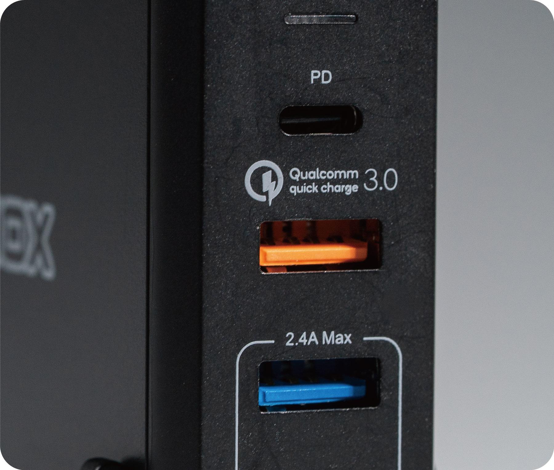 TOMMOX PowerCenter 4 Pro充電器  - 旅行出差一顆搞定