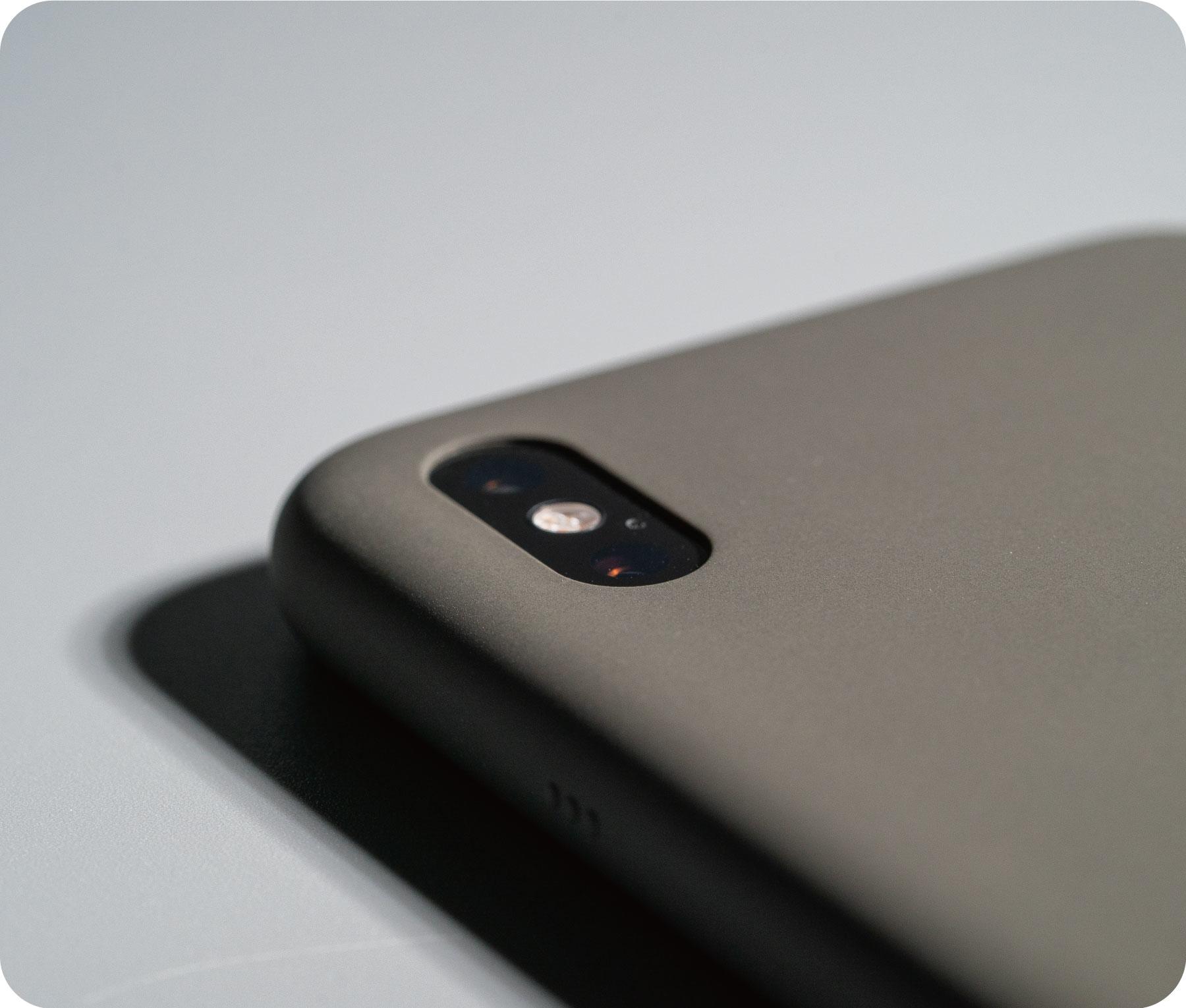 UNIU NEAT液態矽膠iPhone防摔保護殼:世界唯一一款,通過軍規防摔的「原廠殼」!