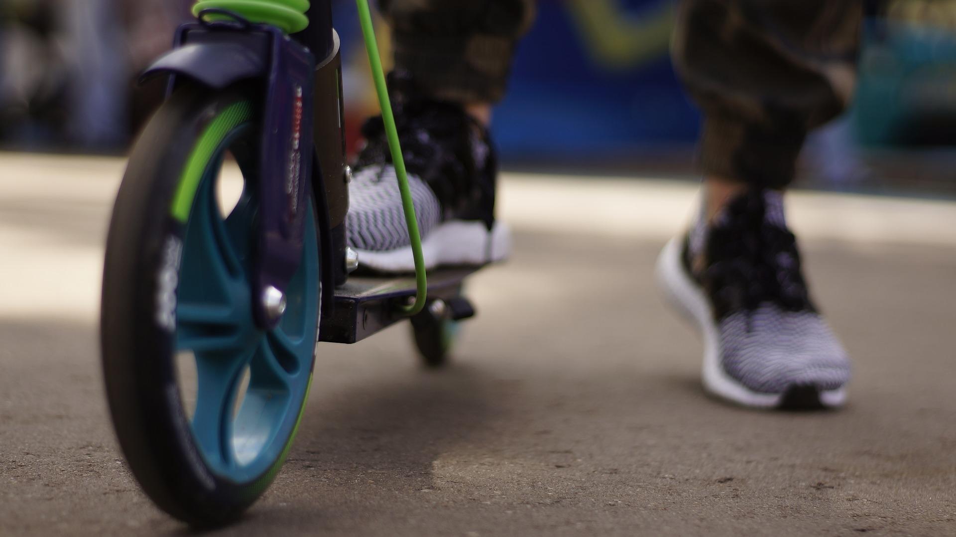 電動滑板車的前輪