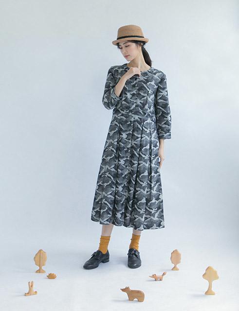 海潮鯨魚七分袖開襟洋裝