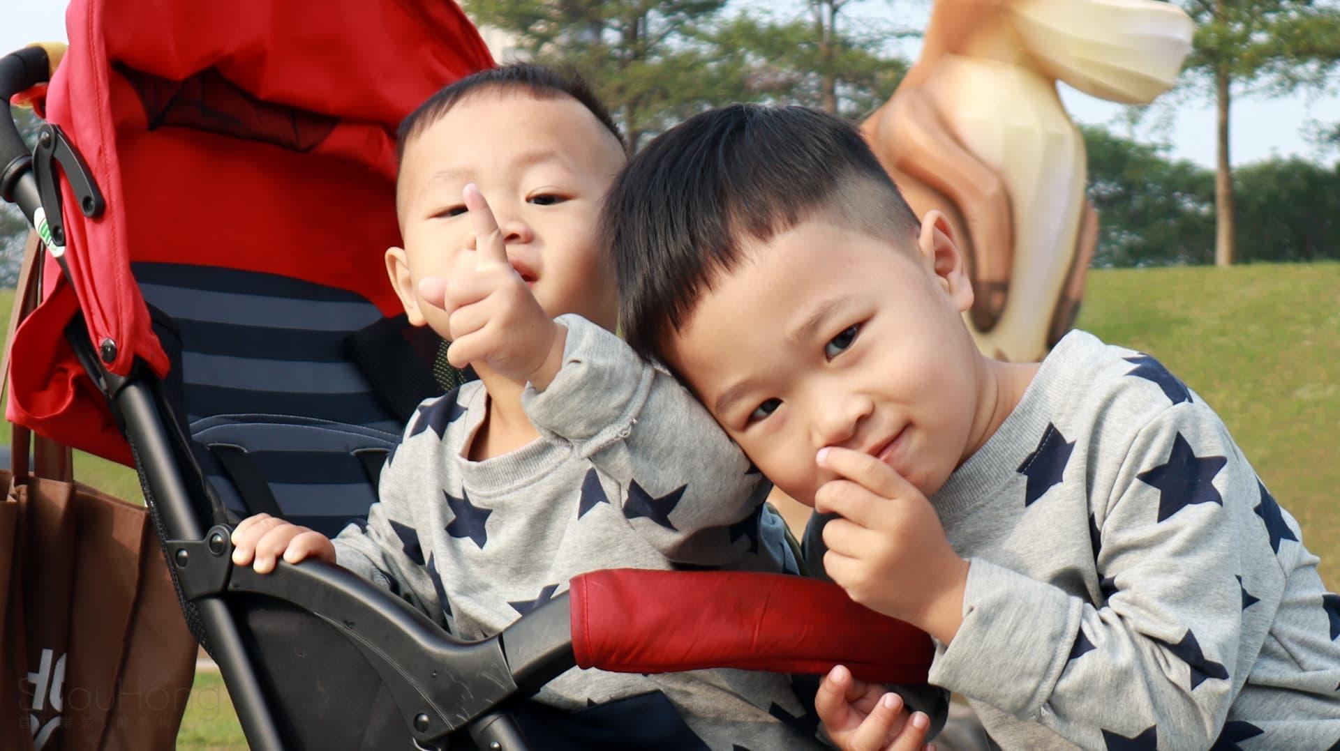 就連遙遠的香港小朋友其爸爸媽媽  給予動力、信心及支持  在一次與宏媽咪討論後  不再猶豫  決定衝開一切