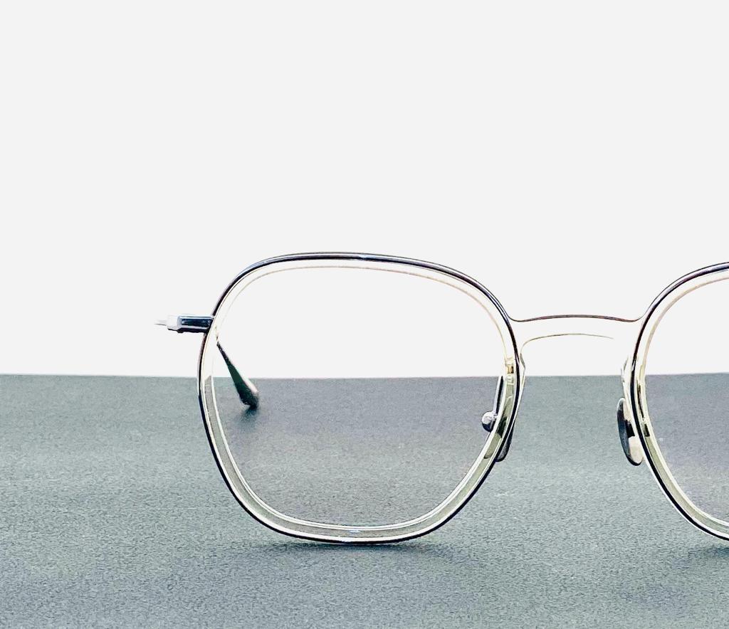米可利眼鏡,台中眼鏡推薦,眼鏡推薦,漸近多焦點,近視眼鏡,散光眼鏡,專業配鏡諮詢,頂級手工鏡框,名牌太陽眼鏡,精品鏡框,客製運動眼鏡,MOI眼鏡,偏光墨鏡,墨鏡推薦,客製眼鏡,名牌眼鏡,飛行員眼鏡