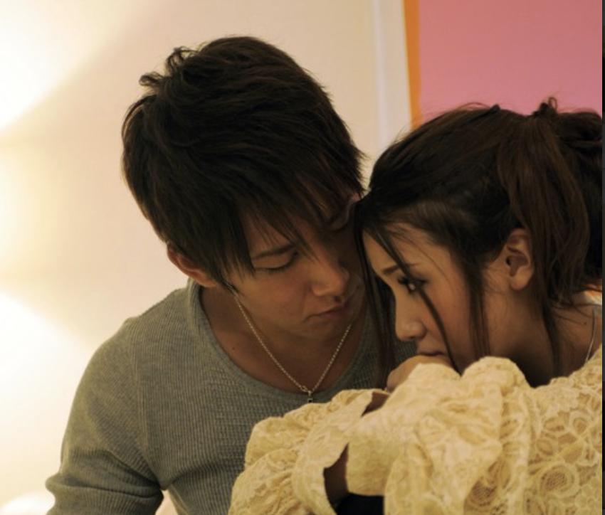 友田彩也香表示會認真考慮跟粉絲結婚的可能性,也直言表示交往對象必須專一,不能出軌!也不能看其他女優的作品!