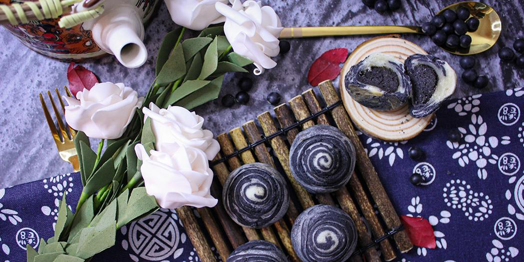 #黑豆竹炭酥餅 #食譜 #月餅 #丹波 #黑豆 #中秋 中秋想要換一點新意,不妨試試弄月餅以外的東西;比起傳統月餅🥮這酥餅更是酥香可口,入口層次豐富。